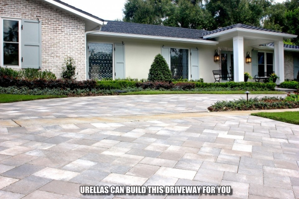 Multi-color paver driveway in Amherst, NH